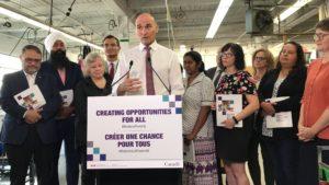 Le gouvernement fédéral lance la Stratégie canadienne de réduction de la pauvreté