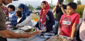 #HumainsHabitationCoopérative: le Cercle des femmes renforce la communauté en offrant des repas et grâce au bénévolat